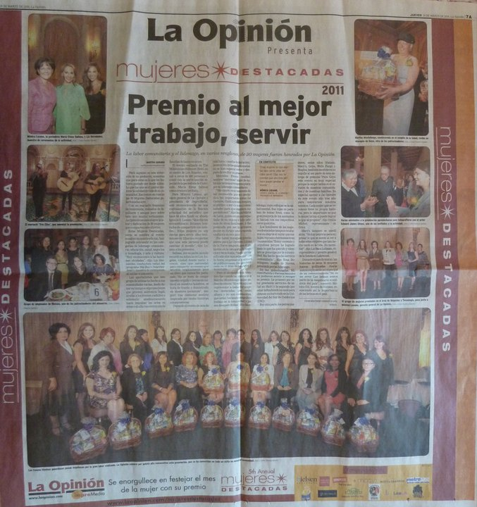 LA OPINION NEWS PAPER MUJER DESTADA