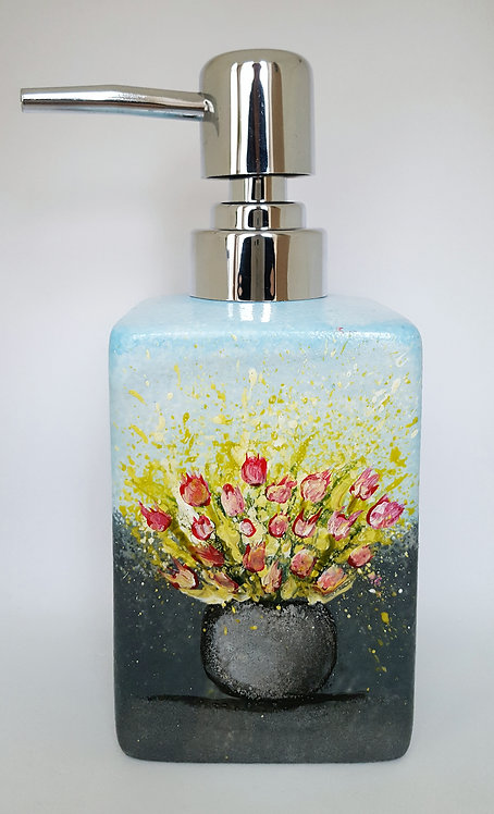 VASE WITH PINK TULIPS SOAP DISPENSER