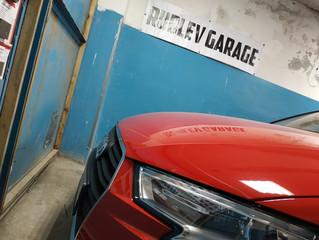Шумоизоляция передних арок снаружи в Audi A3 высоко эффективными материалами Шумофф