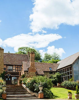rustic-country-house-wedding-venue-in-wo
