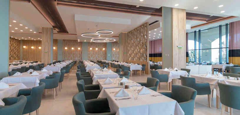 main-restaurant-(2).jpg