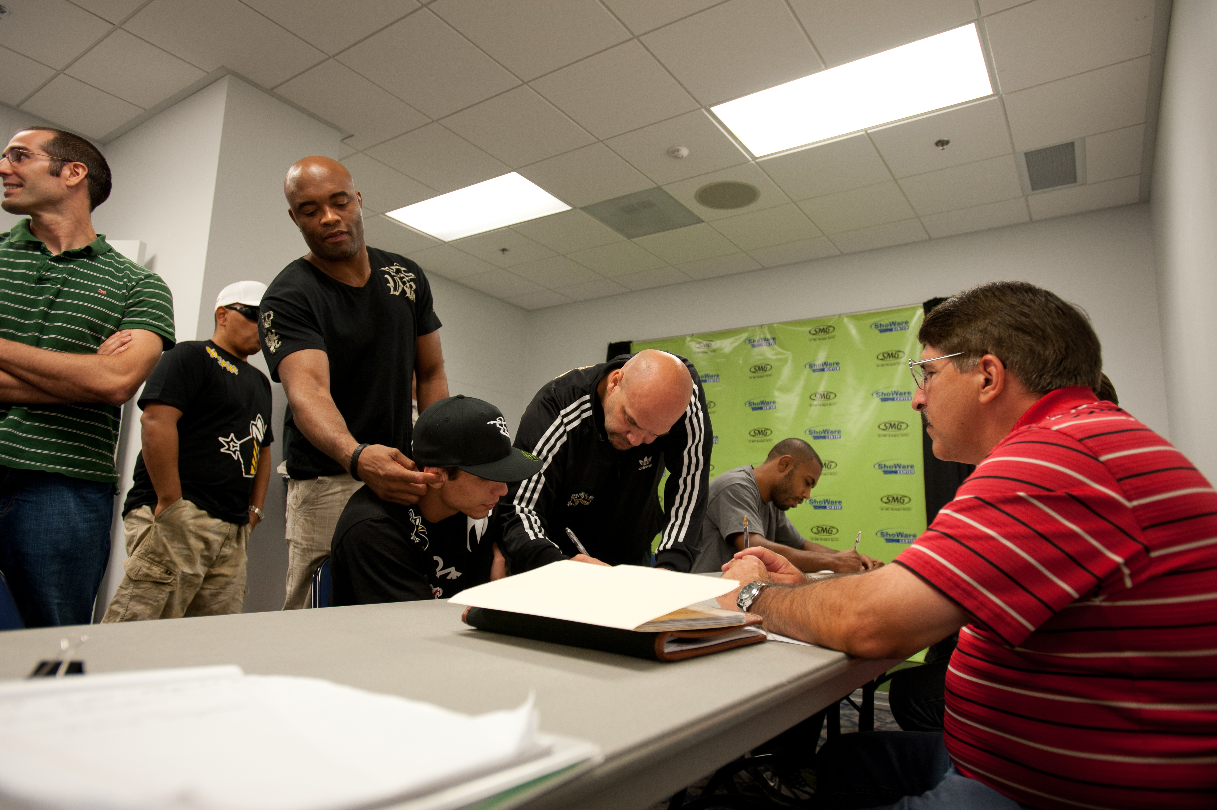 Anderson Silva at sign-in.