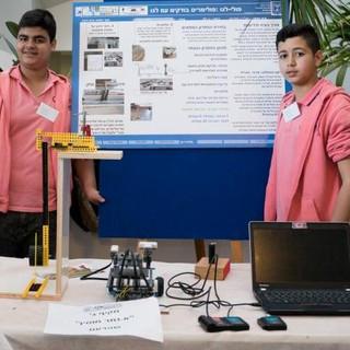 תלמידי מקיף ג_ שפרעם מציגים פולי - לגו.j