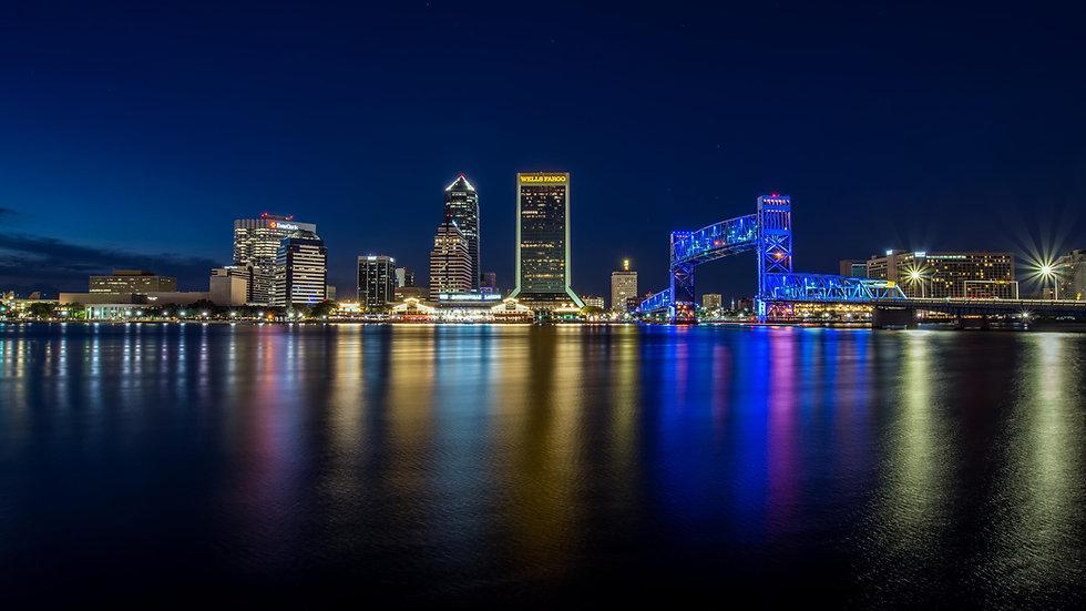 Jacksonville_at_Night_(39527326802).jpg