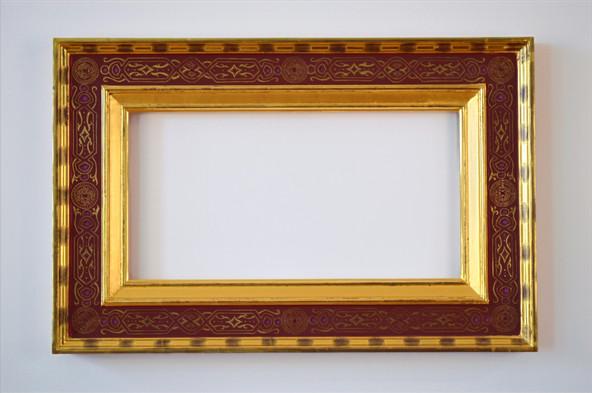 Cassetta frame. Water gilded with egg tempera sgraffito
