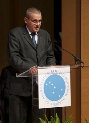 Marius-Ioan Piso talking at the International Academy of Aeronautics Summit, in Washington, 2010