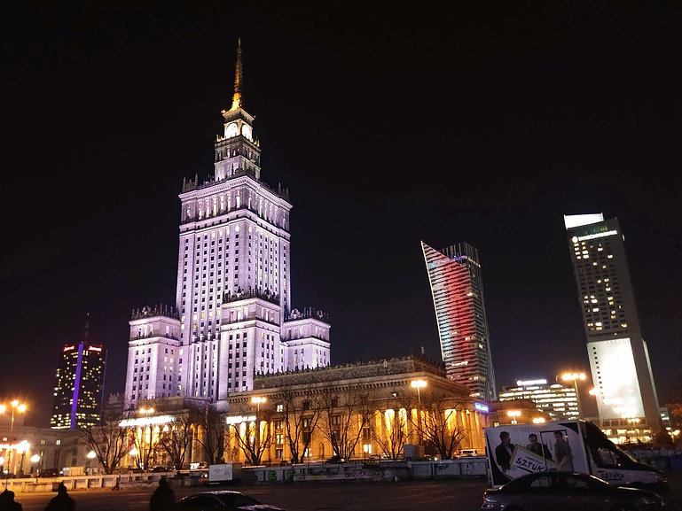 Warsaw centre by night.jpg