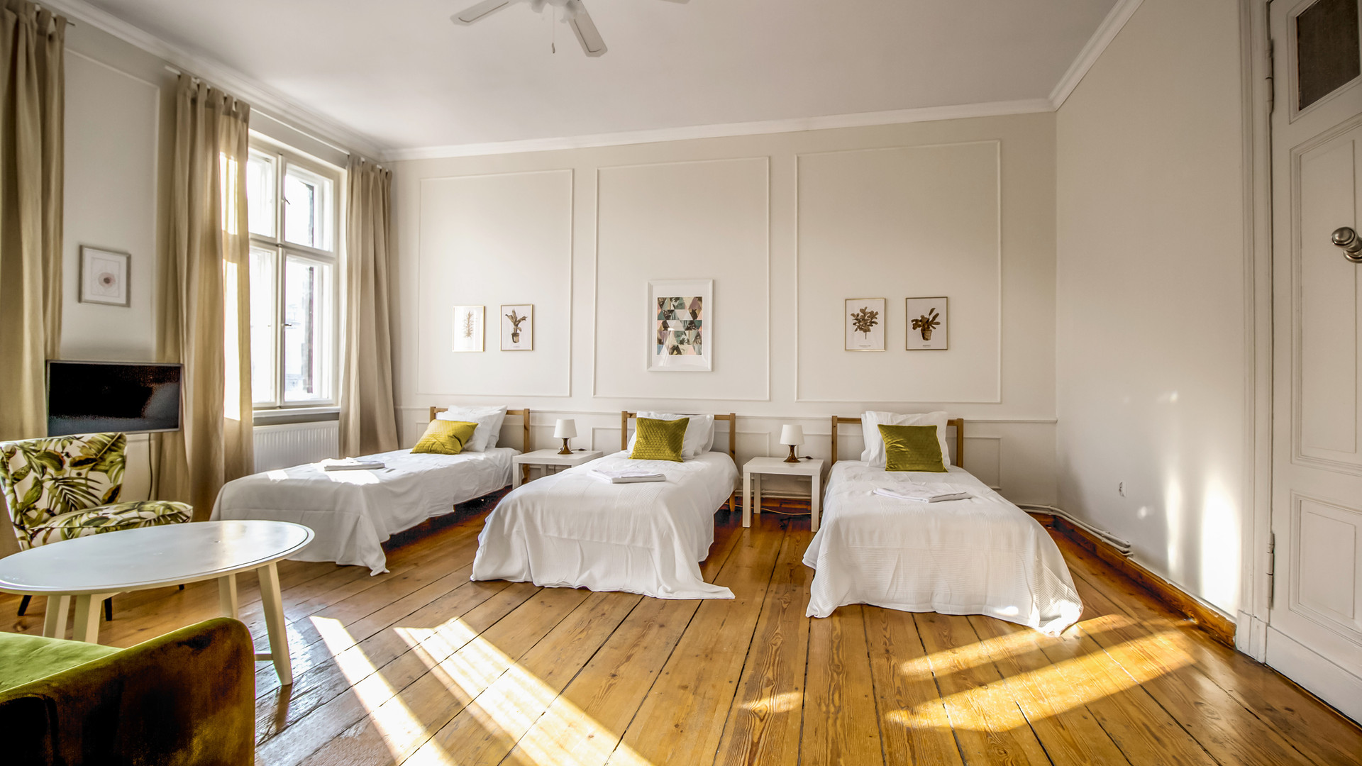 Apartmemt for 5 persons Poznan Poland Old Town.jpg