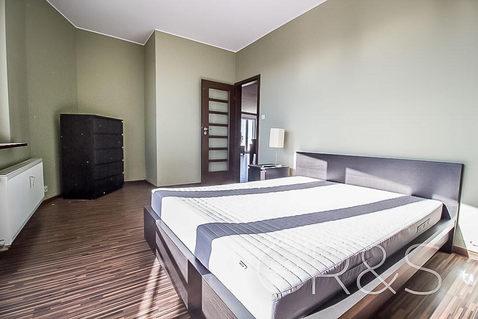 Kutrzeby flat for rent bedroom.jpg
