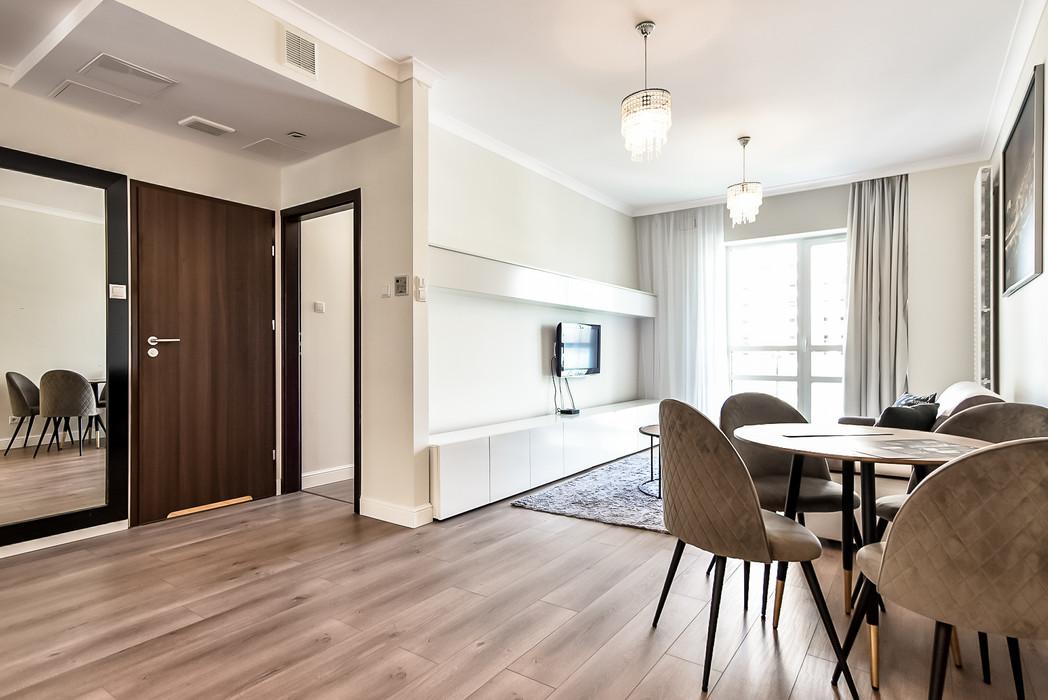 Wrasaw Platinium Flats for rent_6.jpg