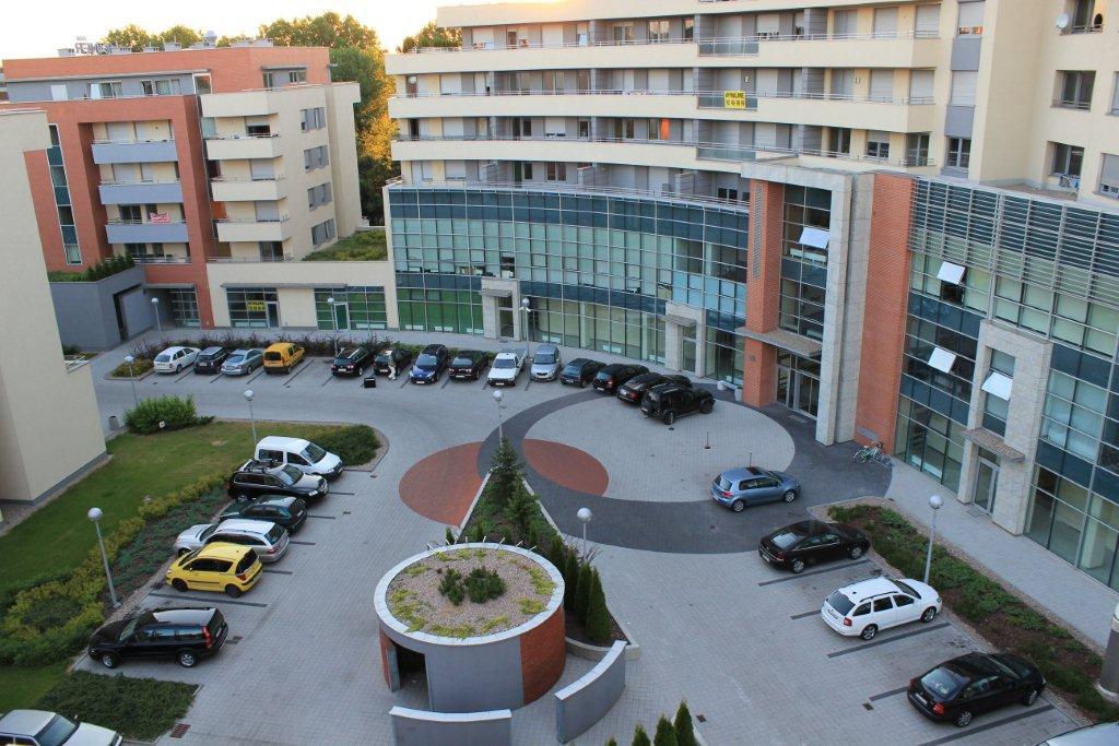 Poznan Kutrzeby Apartments.jpg