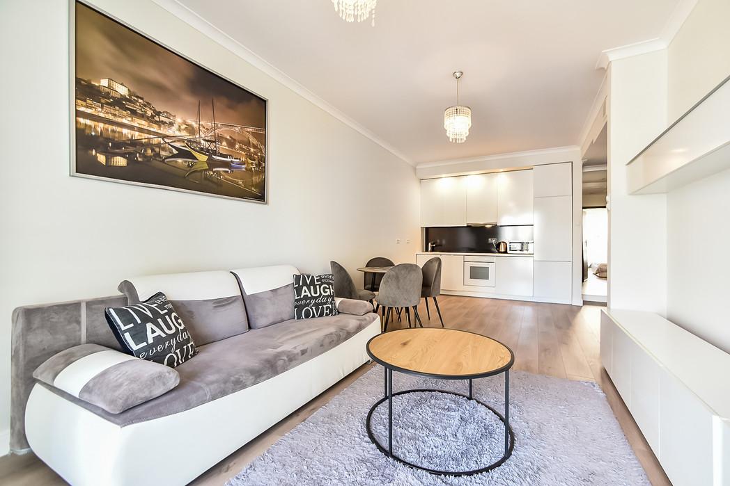 Wrasaw Platinium Flats for rent_3.jpg