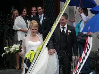 Schi-Spalier für Claudia & Thomas am 19. Juni 2010