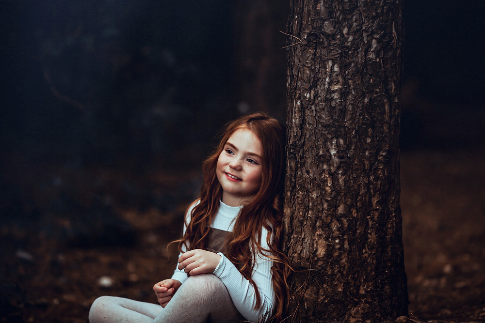 child in whitwell woods family photography Derbyshire