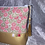 Thumbnail: Trousse Fleurs rose et simili doré