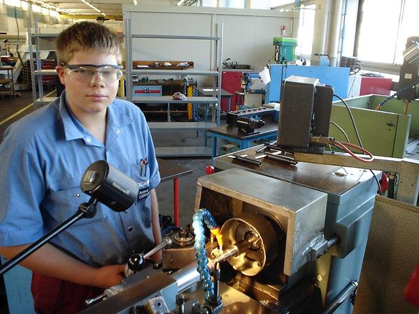 tour bobst atelier usinage schaublin 150 apprentissage polymécanicien