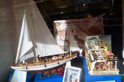 Maquettes bateaux en bois.jpg