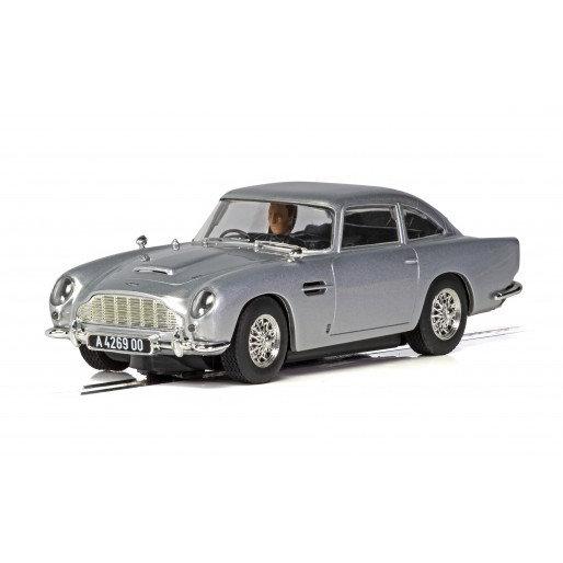 Scalextric Aston Martin DBS 1:32