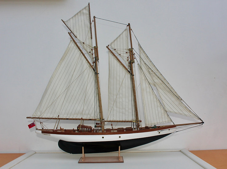 ALTAIR-1/67-CONSTRUCTO-80710-maquette-de-bateau-en-bois-a-construire