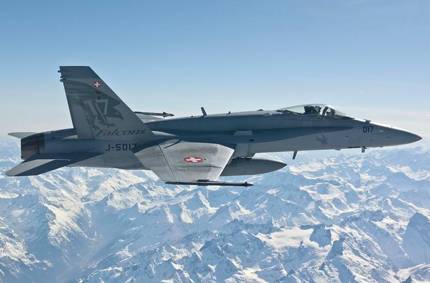 ACE collectors edition F/A-18C Hornet J-5017 Falcons Métal 1:72
