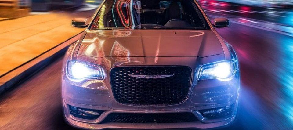 2018-Chrysler-300-01.jpg