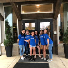 12U volunteers at Assisted Living