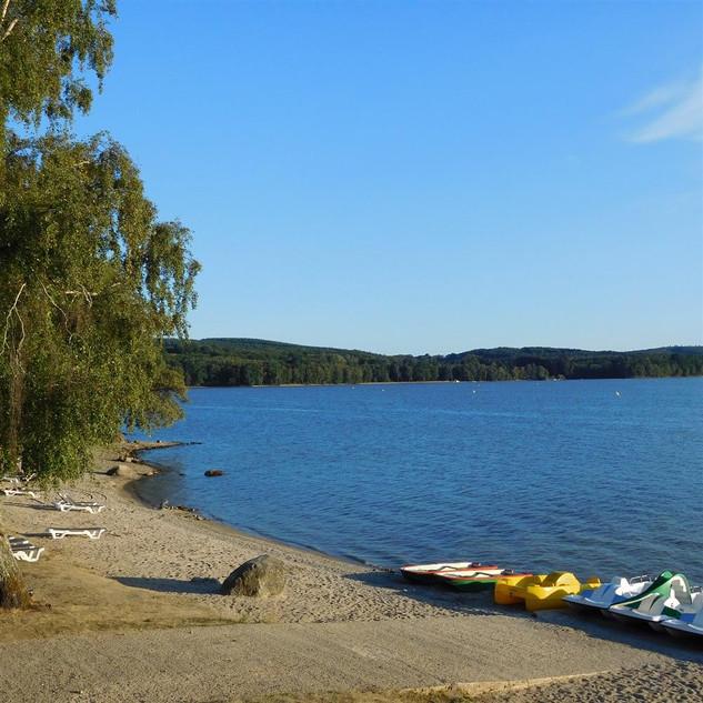 lac des settons plage
