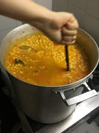 olla popular - soup kitchen vegan stew