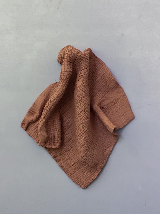 serie de trapos de cerámica - medidas variables - 2019 series of ceramic rags - variable measures - 2019