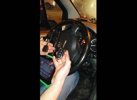 2017 Peugeot Partner Zenit Sustalı Kumandalı Anahtar Yapımı