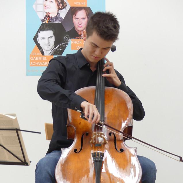 Christoph Heesch, Violoncello