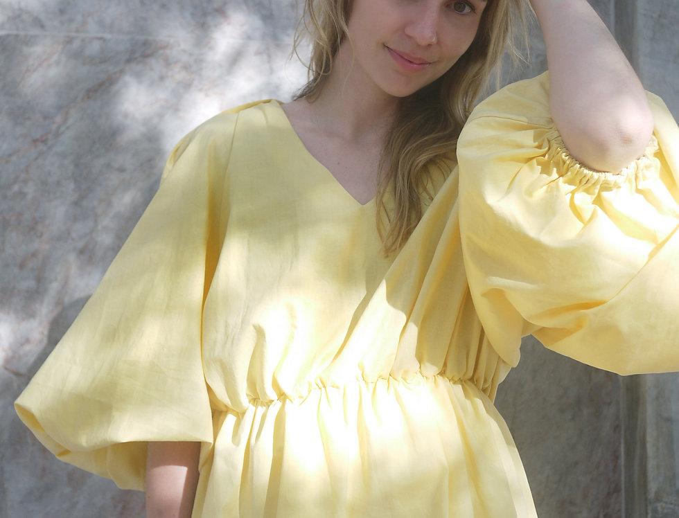 Carolina in yellow