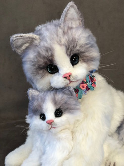 Sapphire and her kitten Bluebell