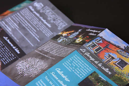 Design graphique et illustrations réalisés pour le dépliant touristique de la municipalité de Saint-Élie-de-Caxton