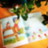 Image d'un enfant jouant dans la neige au printemps, livre jeunesse
