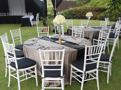 Black and champaigne wedding reception.