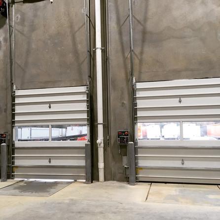 Glare reducing film for warehouse facili