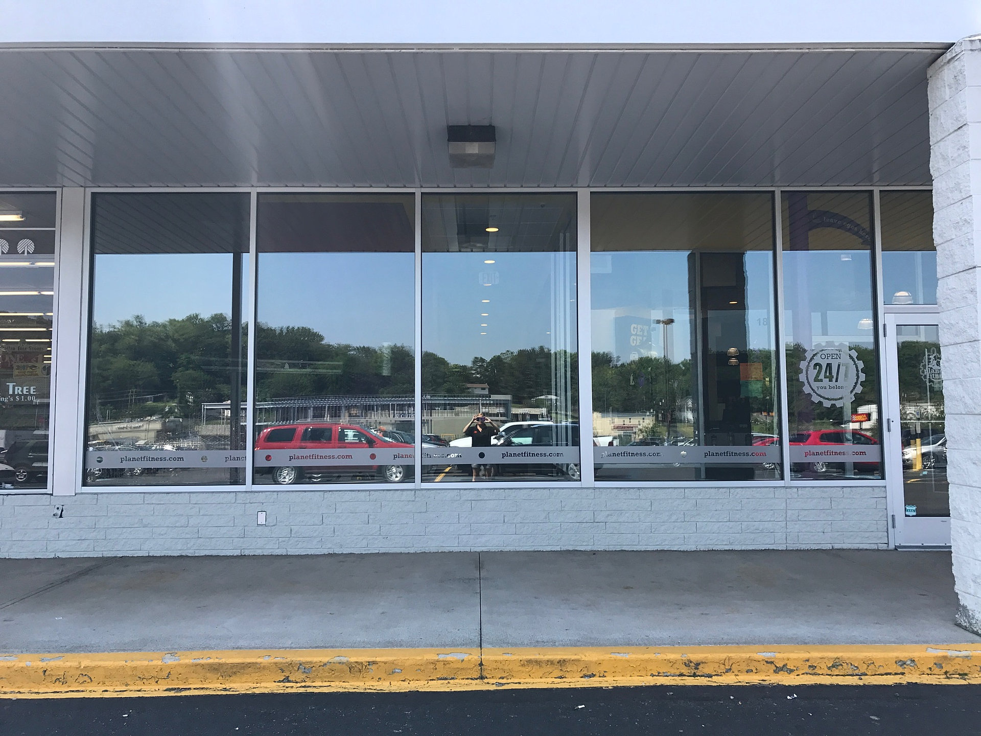 the tint group retail storefront window tinting lehigh valley pa. Black Bedroom Furniture Sets. Home Design Ideas