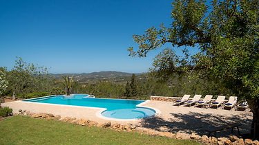Yin yoga teacher trainings on Ibiza at a luxurious Villa