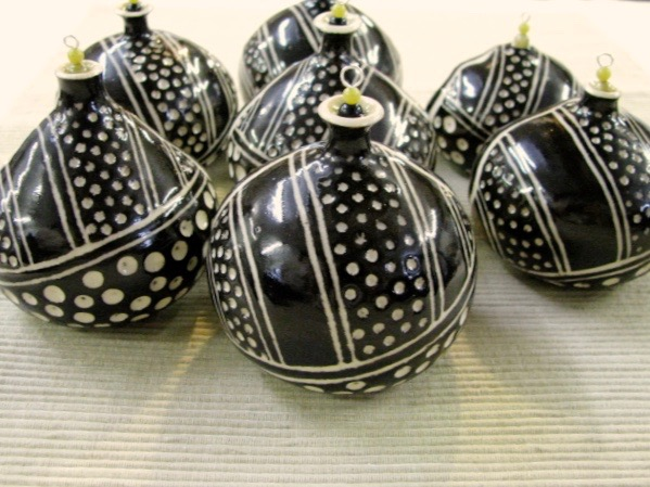 Tiny Sgraffito Ornament Pots