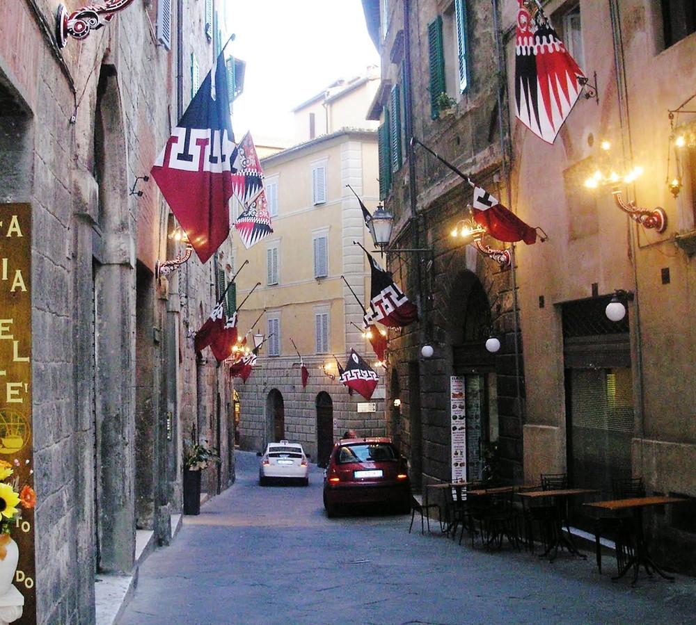 Via Cecco Angiolieri, Siena, Tuscany 2009