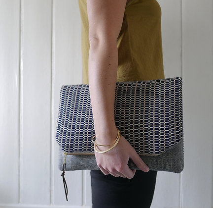 Mari - Navy Rose - Clutch Bag