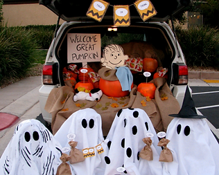 trunk and treat charlie brown.png