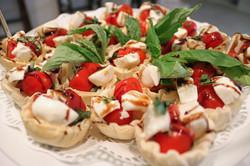 mozzarella basil tomato