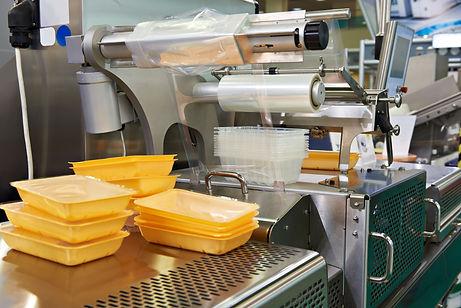 confezionatrici di vaschette, da banco, semi-automatiche e automatiche in linea