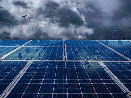 O sistema de geração fotovoltaica funciona com chuva?