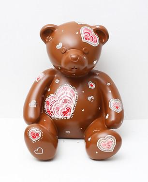 9. Lucky bear, 30x33x30cm, Acrylic on po
