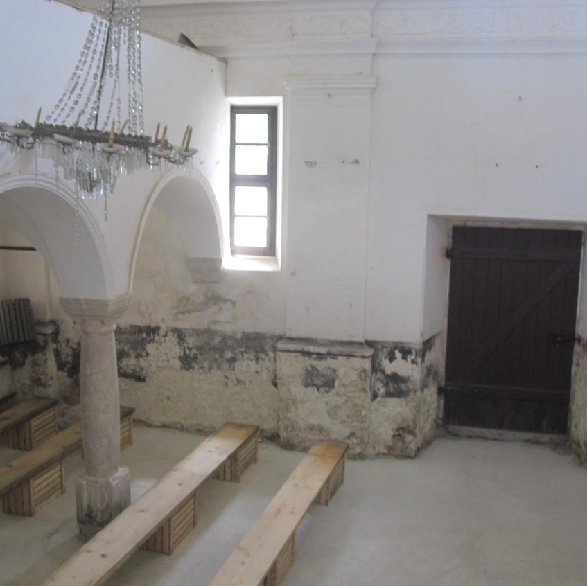 M Mazek St. Jederti Interior 2