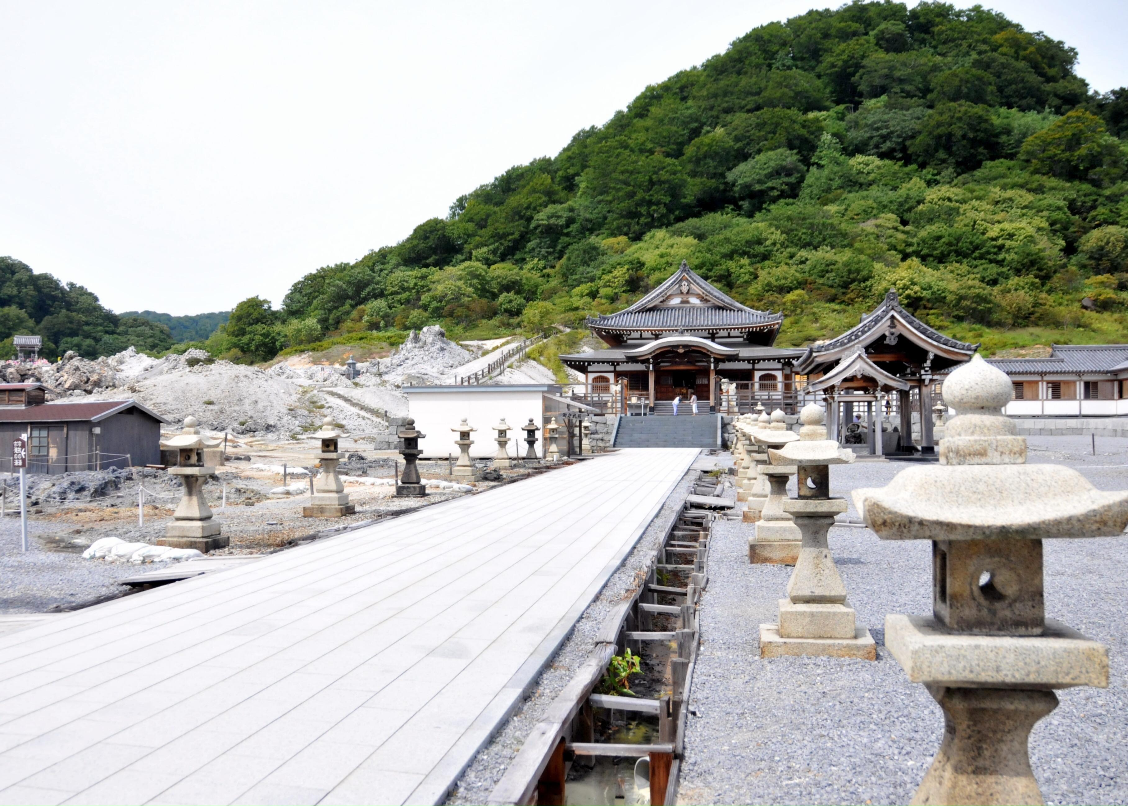 Mengenal Kuil Buddha Osorezan Yang Identik Dengan Surga Dan Neraka