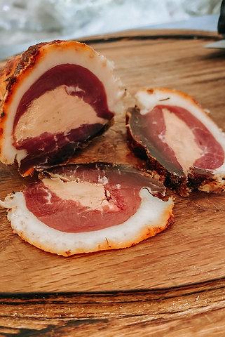 Сыровяленые утиные грудки (магре) с фуа-гра